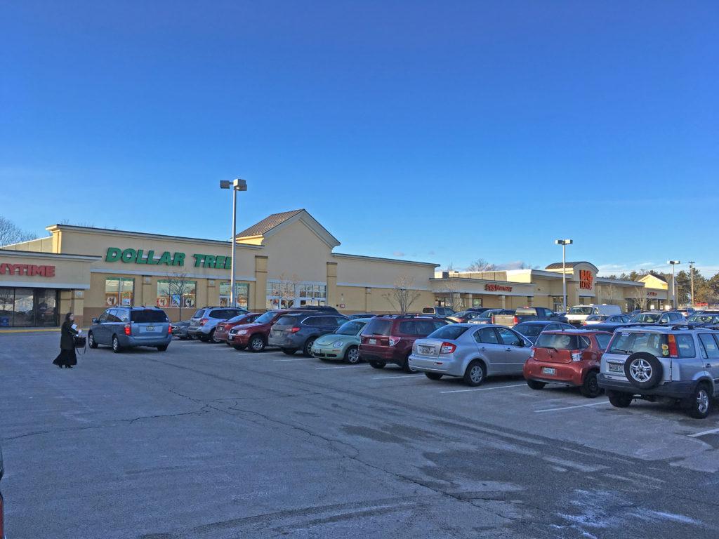 Pine Tree Shopping Center-Photo
